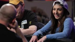 Kelly Minkin 2015 WSOP Main Event Day 5 18