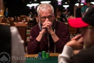 James Woods a la table de poker
