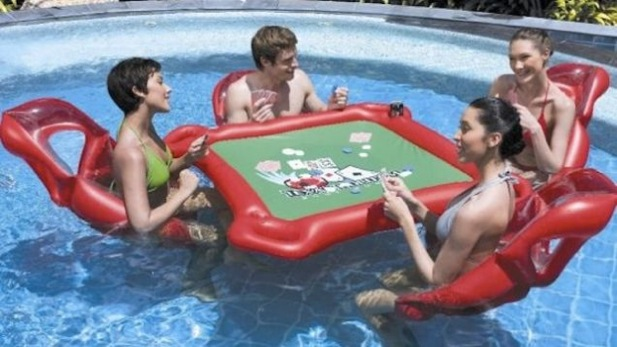 Table de poker gonflable