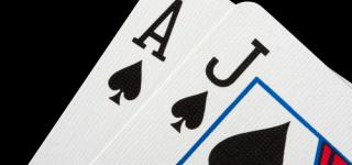 AJ as valet au poker, une grosse main haute mais marginale